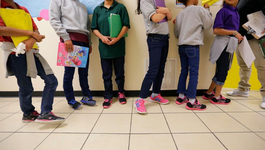 美墨边境在押移民儿童数继续攀升 超3000人被超期羁押_图1-1