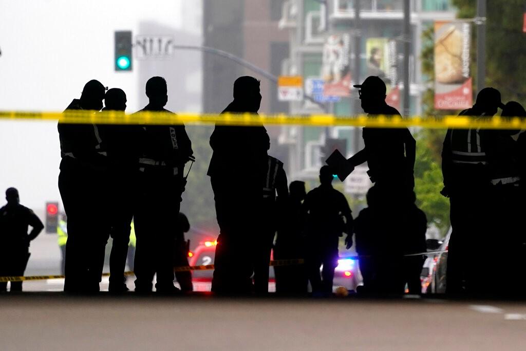 加州圣地亚哥车撞行人致3死6伤 71岁肇事司机被捕_图1-4