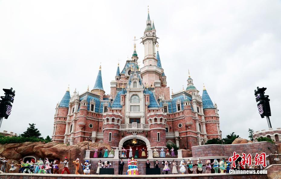 上海迪士尼度假区迎来五周年生日庆典
