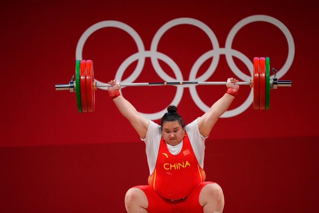 东京奥运举重女子87公斤以上级 李雯雯夺金 新西兰变性选手出局【组图】