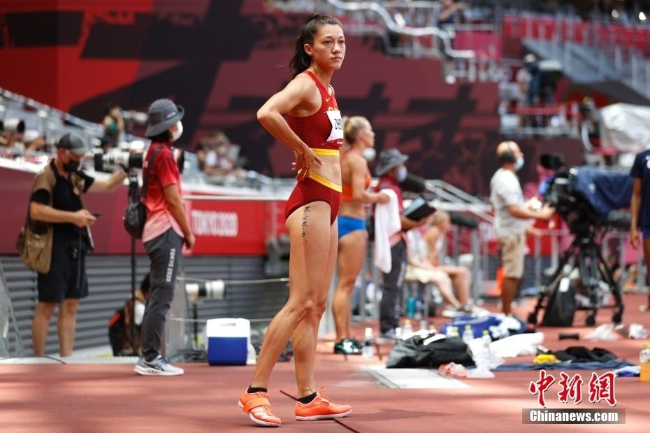 中国首位田径归化选手郑妮娜力亮相赛场