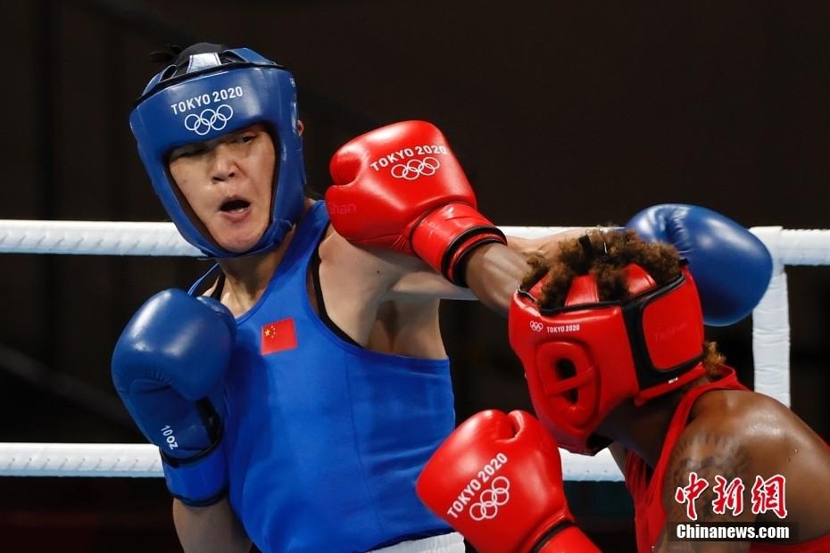 中国选手谷红战胜美国选手晋级拳击女子沉量级决赛