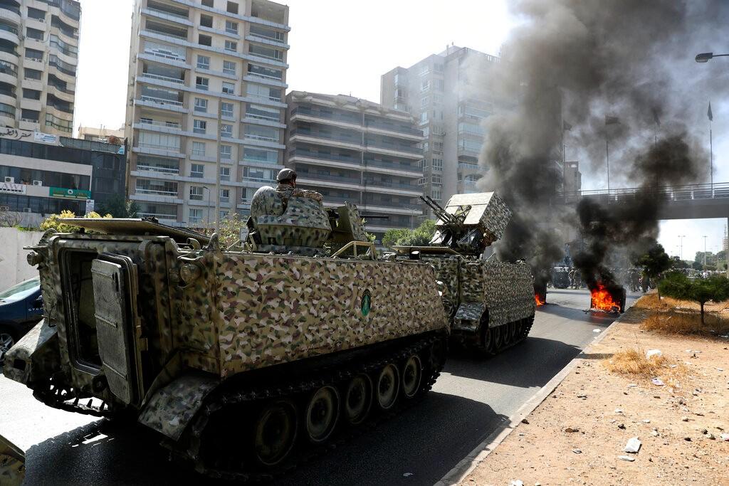 黎巴嫩首都爆发严重冲突 抗议者疑遭狙击手伏击 至少6死30伤【组图】