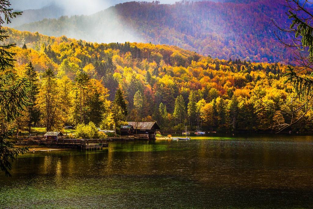 斯洛文尼亚博希尼湖,美景如画