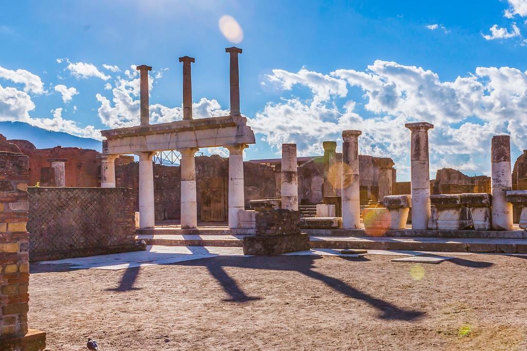 意大利一世纪古城庞贝,无声的