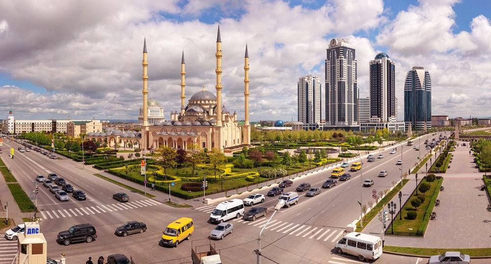 阿赫玛特.卡德罗夫清真寺