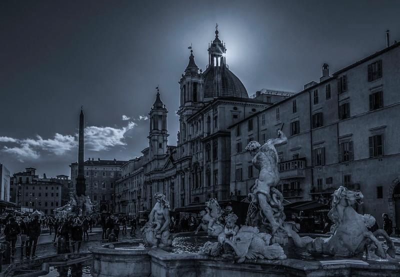 罗马纳沃纳广场,闻名景点