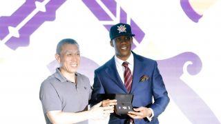 前NBA球星马布里出任北控男篮主教练 与媒体见面