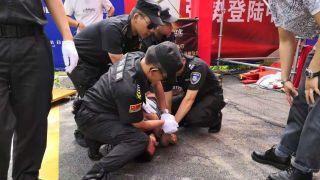任达华广东参加活动时被一男子捅伤 警方:嫌犯存在精神障碍