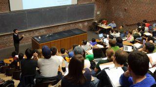 联邦大学补助申请今天开始 您和孩子需要知道些什么?