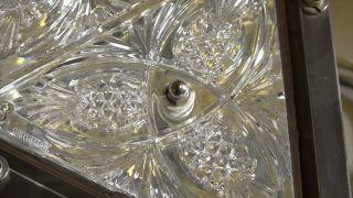 """纽约时报广场水晶球新图案揭晓安装 """"菠萝""""祝福慷慨和善"""