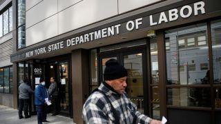 联储调查:家庭年收入低于4万的人40%三月失业