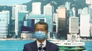 香港财政司司长:市民最快7月中可收到1万港币派钱
