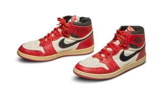 56万美元!乔丹签名的这双耐克鞋拍出史上最高价