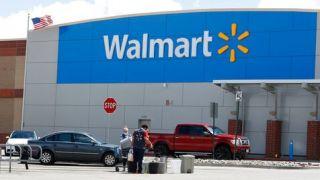 疫情下沃尔玛销售猛涨 多发两轮奖金新增20万员工