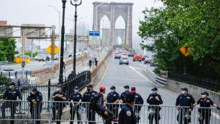 明州非裔死亡案引发纽约市激烈示威 40多人被捕