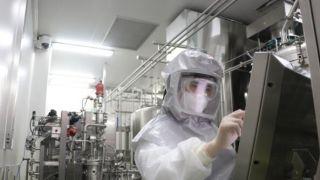 中国国药集团企业负责人以身试药 证明新冠疫苗安全有效