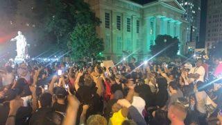 7人中枪1人重伤!肯州爆发另一起非裔死亡案激烈示威(多图)