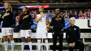 允许运动员下跪抗议 美国足协废除国歌禁跪令
