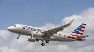 美国航空警告:或因疫情秋季裁员2.5万人