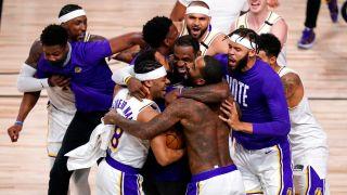 湖人时隔十年终夺冠 17座奖杯登NBA历史第一
