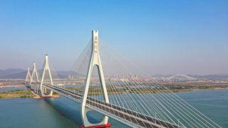 广东珠海洪鹤大桥具备通车条件