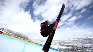 带着骨折的右手 谷爱凌预赛第一晋级滑雪世锦赛决赛