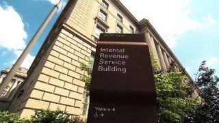 美国超级富豪三分之二收入未缴税? IRS呼吁加大审计