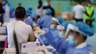 """接种疫苗后却意外感染?专家:已形成""""小群体免疫屏障"""""""