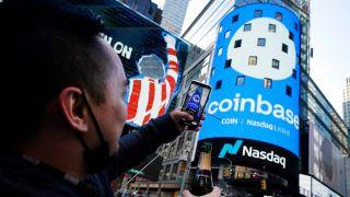 """虚拟货币""""再添一把火"""" 美国最大交易平台Coinbase上市"""