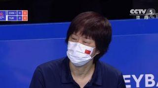 中国女排0-3惨败,郎平眼睛肿了……