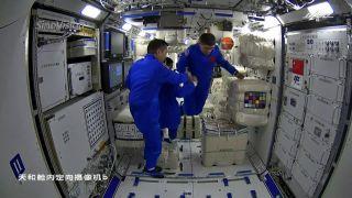 3名航天员进驻核心舱 中国人首次进入自己的空间站