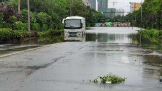 直击郑州暴雨第二日 多处积水严重